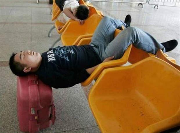 Томительное ожидание в аэропорту.   Фото: Entere.se.