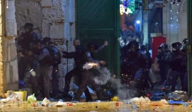 Беспорядки в Иерусалиме: пострадали более 80 человек