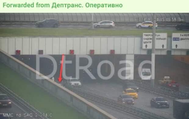 На Ленинградке столкнулись четыре автомобиля