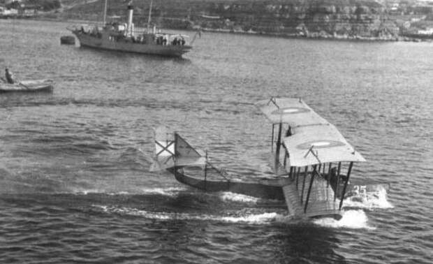 Как русский аэроплан взял на абордаж вражеское судно