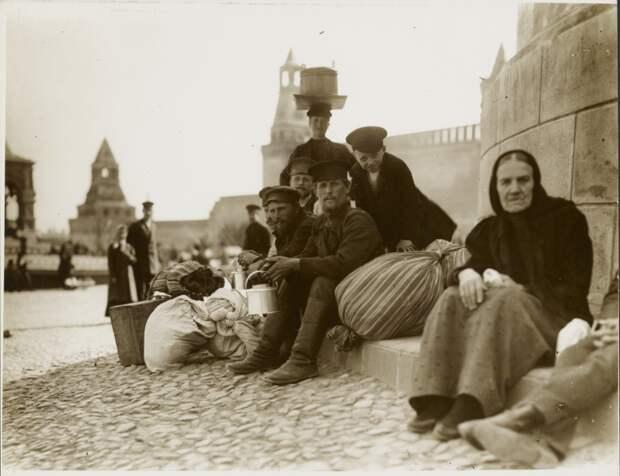 10 талантливых фотографий России 1913 года, сделанных Альфонсом Мухой