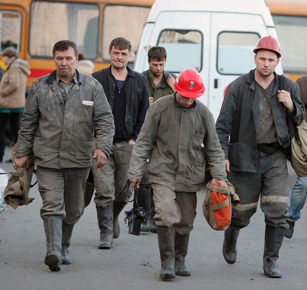 «Горняк идет в шахту и всё понимает»: как авария на «Распадской», где погиб 91 человек, изменила жизнь шахтеров