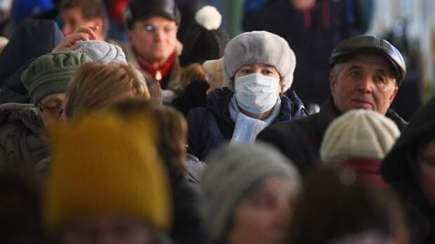 Глава Минздрава считает необходимым носить маски даже вакцинированным гражданам