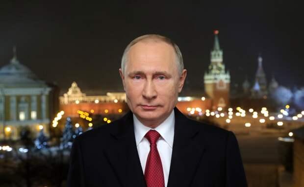 Назначить дополнительный выходной на 31 декабря попросил губернаторов Путин