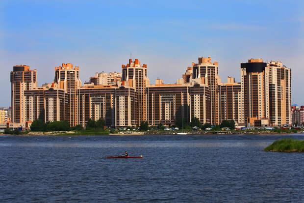 Петербург попал в топ-10 городов по росту цен на элитное жилье