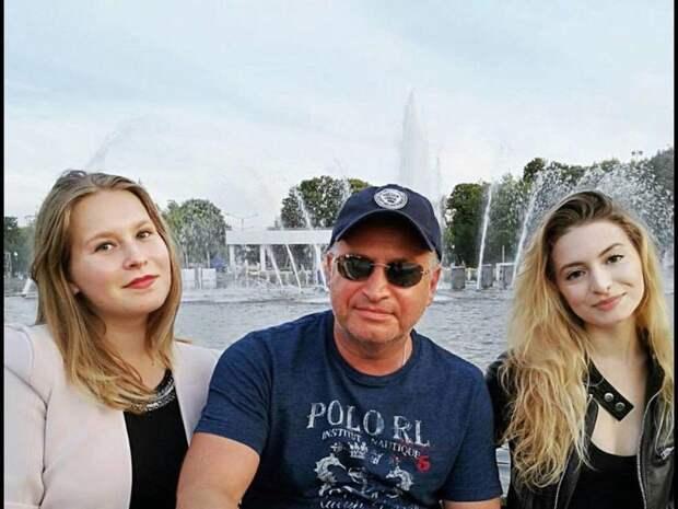 Леонид Агутин в День отца поделился архивными снимками с дочерьми