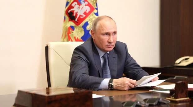 Владимир Путин «прорекламировал» мороженое и обрек его на бешеную популярность в Китае
