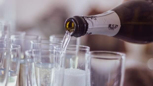 Британские ученые рассказали, какой алкогольный напиток самый безопасный
