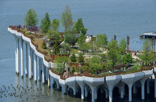 В Нью-Йорке открыли плавучий парк стоимостью $260 миллионов