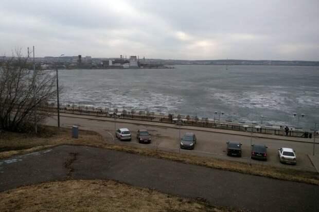 Жителям Удмуртии напомнили о правилах спасения на льду