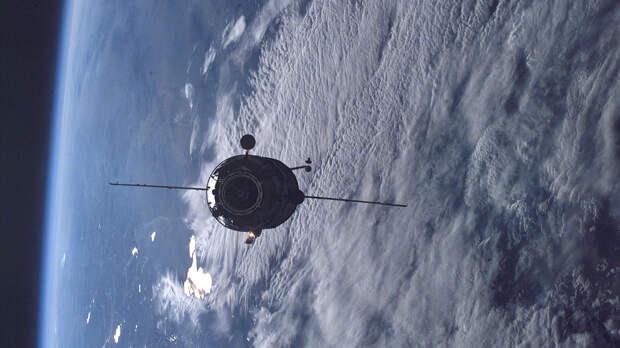 """Космический модуль """"Пирс"""" отстыковали от МКС и затопили в океане"""