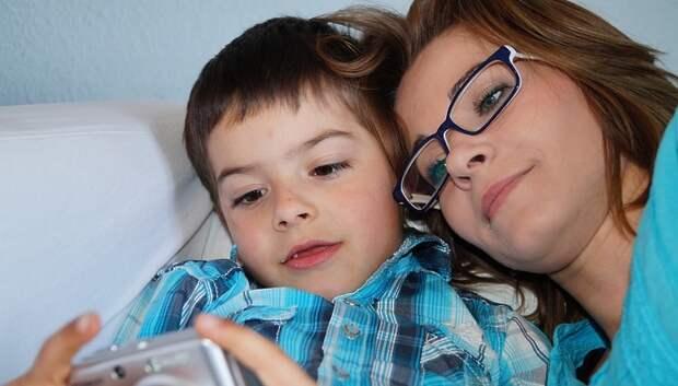 Более 780 детей‑сирот в Подмосковье обрели семью с начала года