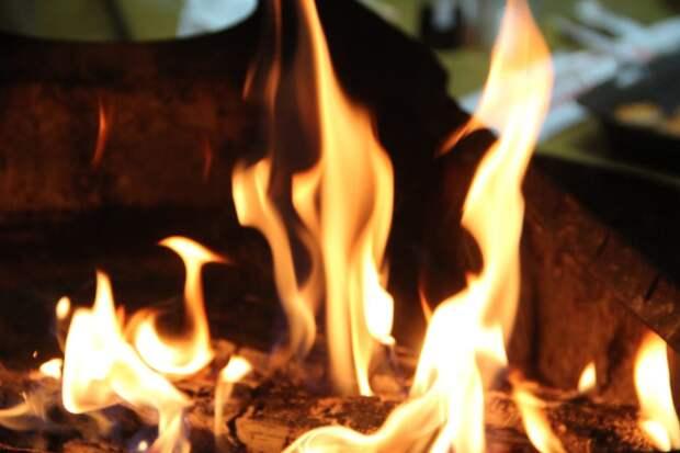Первое неконтролируемое возгорание зафиксировали в Усть-Кутском районе