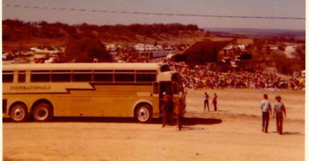 bob wells bus