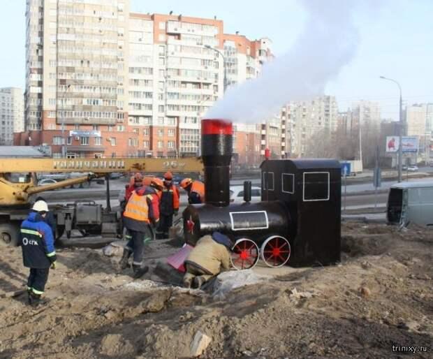 Необычные арт-объекты на теплотрассе в Новосибирске (4 фото)
