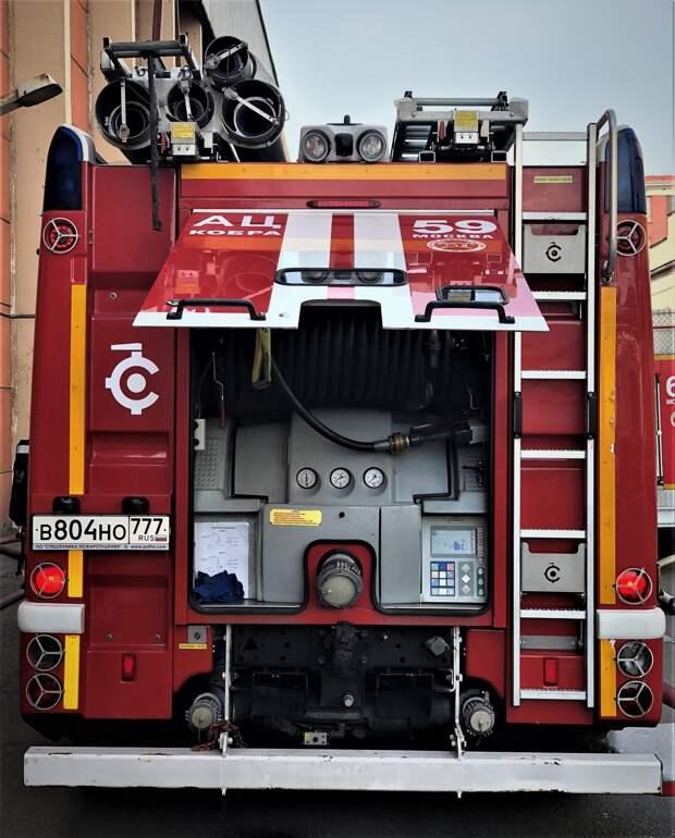 Пожарные потушили горевший на Бестужевых мусор