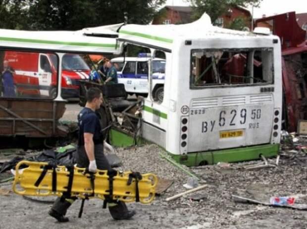 Водитель КАМАЗа, врезавшегося в автобус под Подольском, приговорен к 6 годам и 9 месяцам колонии
