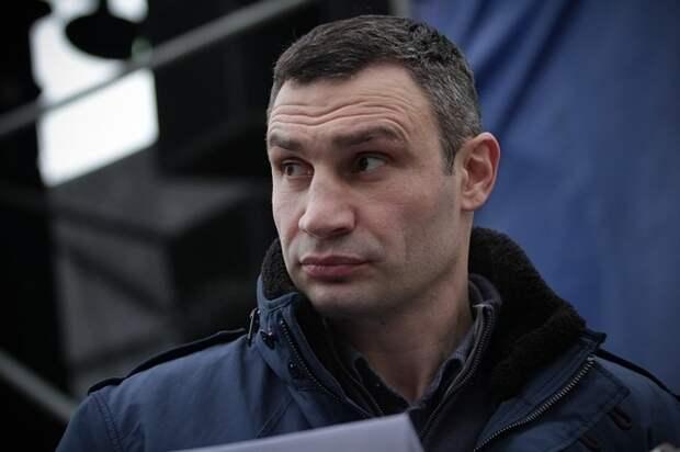 """Кличко прокомментировал """"визит"""" вооруженных людей к нему в подъезд"""