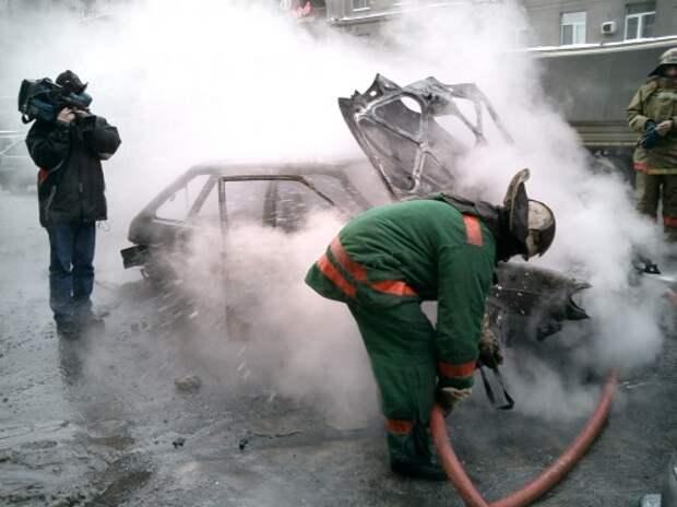 Калининградец сжег подрезавший его автомобиль
