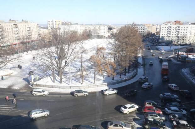 Сквер на площади Горького временно закрыли для пешеходов