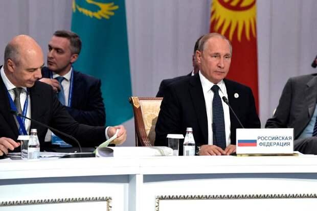 На заседании ЕврАзЭс Путин сделал первый шаг к отмене пенсионной реформы
