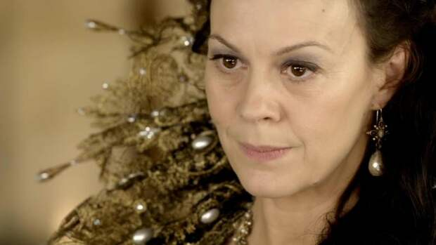 Сыгравшая Анну Каренину в британском сериале актриса Хелен Маккрори умерла в 52 года\