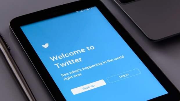 Экс-посол РФ в США пожаловался, что в Twitter его оскорбили русским ругательством