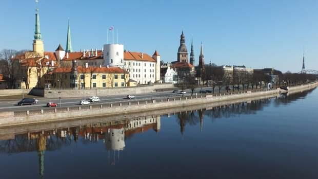 Дипломатическая война: Латвия высылает посольство Белоруссии в полном составе