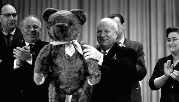 От нашей страны вашей: какие дипломатические подарки делали советские лидеры