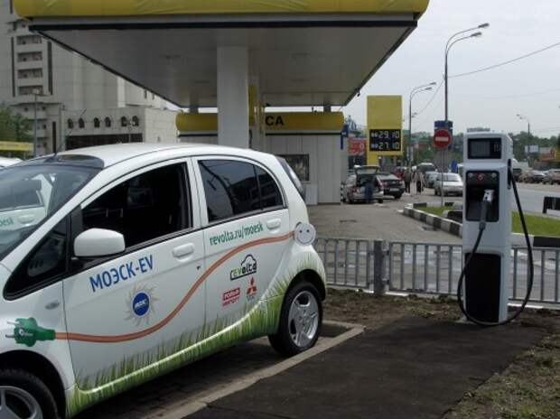 В центре Москвы в 2015 году заработают станции для зарядки электромобилей
