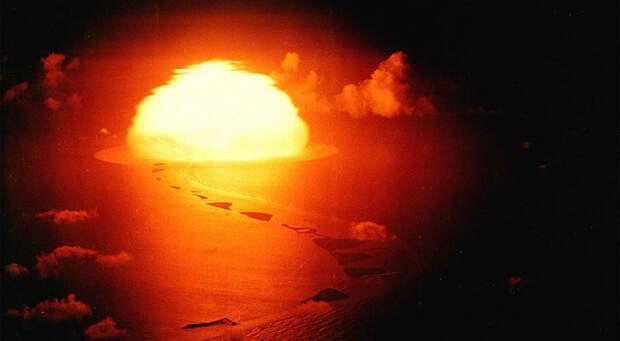 Третий из четырех взрывов в рамках операции Greenhouse на Тихоокеанском полигоне, 9 мая 1951 года.