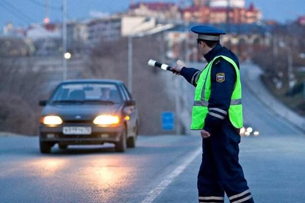 Юрист объяснила, какие требования сотрудников ДПС водители могут не выполнять