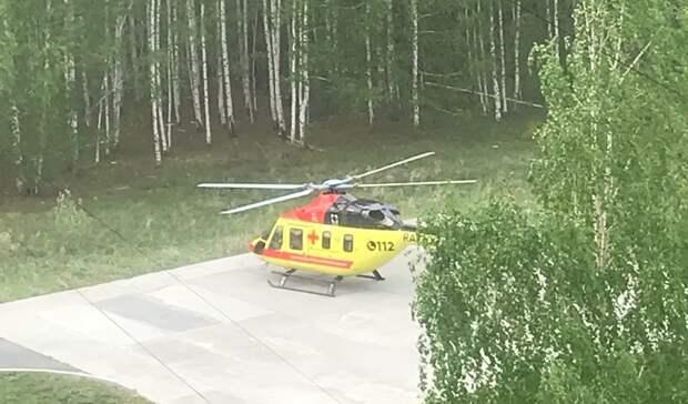 Увезли намедицинском вертолете: 4-летний ребенок выпал изокна вНижнем Тагиле