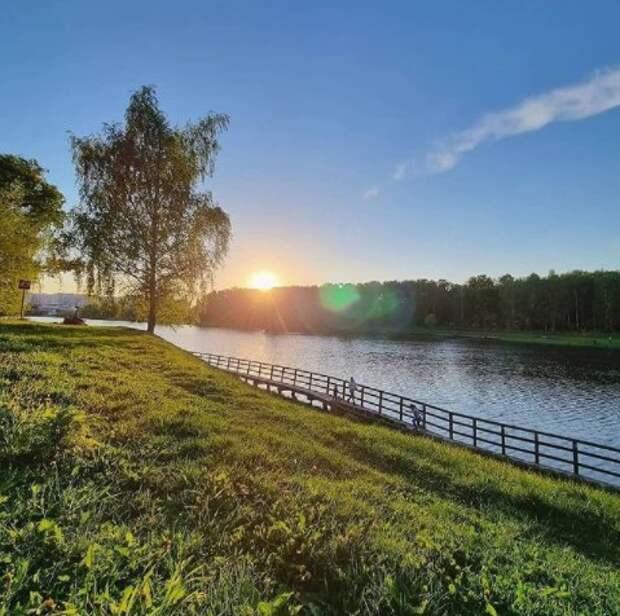 Фото дня: Джамгаровский парк на закате