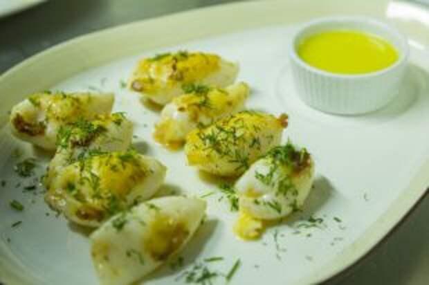 Фаршированные мини-кальмары: новогоднее блюдо за 20 минут