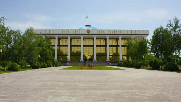 В Узбекистане оценили возможность размещения американских военных баз