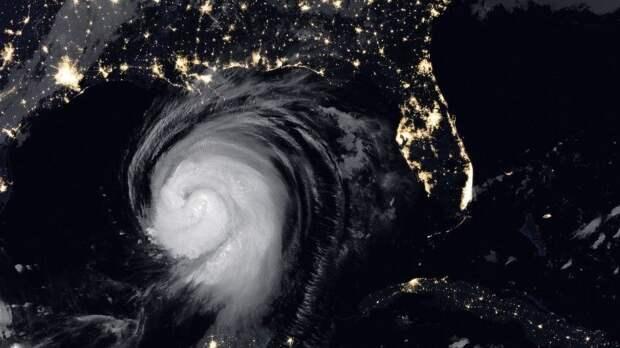 Шесть человек стали жертвами мощного урагана в США