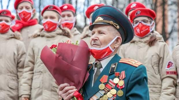 Россияне признали День Победы более важным праздником, чем Новый год