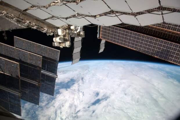Космонавты прочли сценарий фильма «Вызов», в котором они сыграют