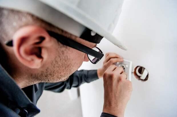 Минстрою предложили проверять электропроводку в квартирах россиян