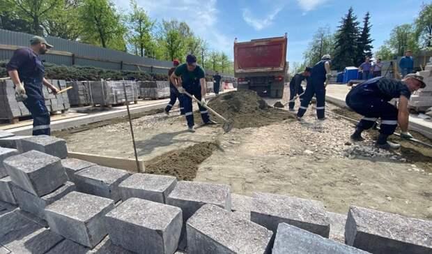Широкие тротуары и прочная дорога: Ивановский съезд в Нижнем Новгороде преображается