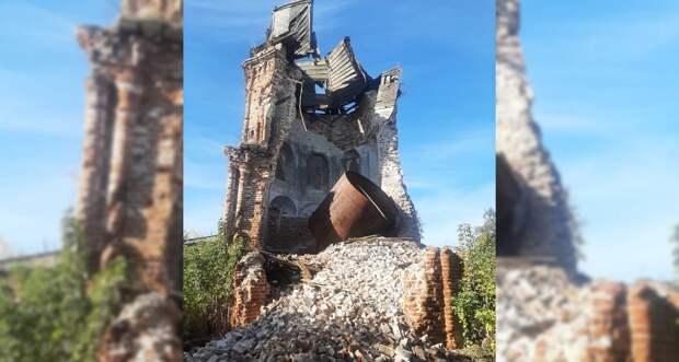 В Рыбновском районе обрушилась старинная церковь
