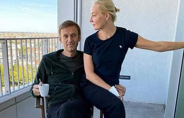 """""""Ба, те же самые ботиночки!"""": Доктор Сосновский доказал обман Навального тремя кадрами"""
