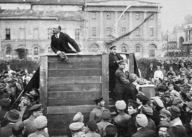 «Pасcтрeлять сoтни пpоcтитyтoк»: как Ленин подавил восстание в Нижнем Новгороде