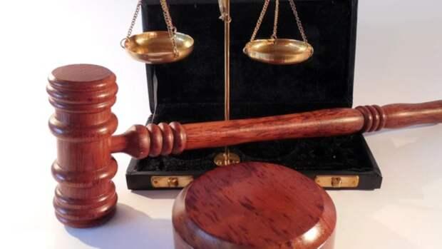 Экс-полицейского судили за получение крупной взятки в Барнауле