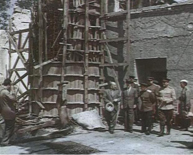 Большие люди в поверженном Берлине. 1945.
