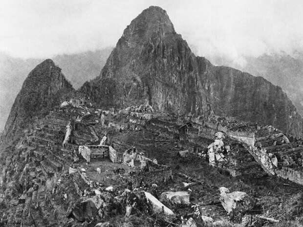 18. Когда в 1912 году нашли Мачу-Пикчу, это была первая сделанная в этом месте фотография