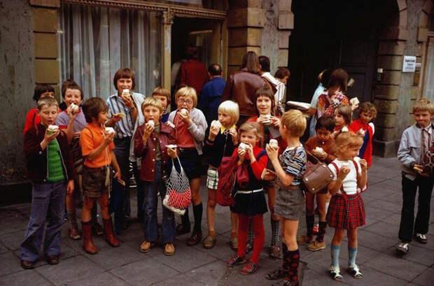 Немцы ГДР. Почему они стали понимать, что жили при русских, словно в раю?