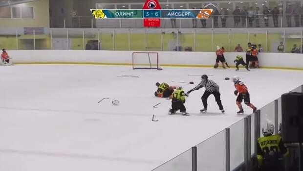 Надетском хоккейном турнире вСаратове произошла массовая драка