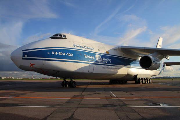 Первая российская авиакомпания отказалась летать над Белоруссией